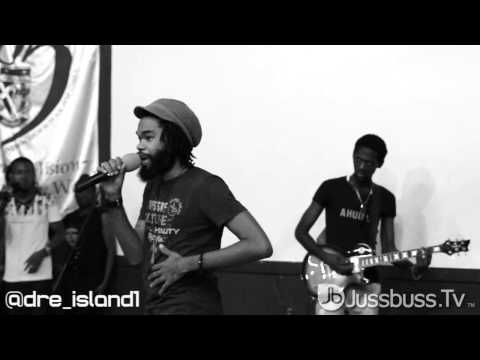 Keznamdi, Chronixx and Dre Island's Performance at St. Andrews High School [Jussbuss.tv]