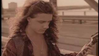 Harem Scarem - Slowly Slipping Away