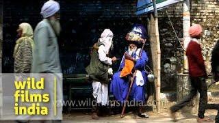 Nihang Baba: Sikh Sadhu with a massive turban!