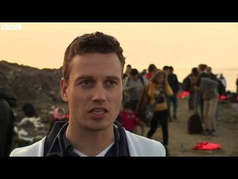 Volunteer doctor uses holiday to help refugees in Lesbos