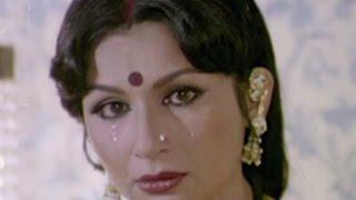 Video Sharmila Tagore feels offended - Gehri Chot, Scene 1/12 download MP3, 3GP, MP4, WEBM, AVI, FLV Januari 2018