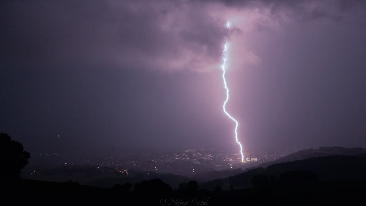 Heftiger Blitzeinschlag in Annaberg-Buchholz/Erzgebirge 13.Juli 2021