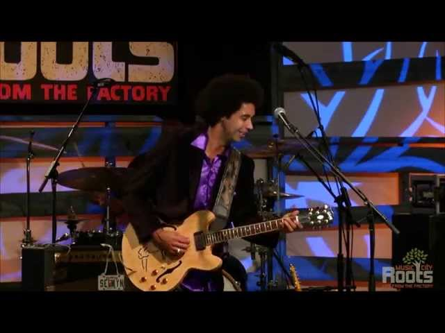 """Love Me Again"" On Music City Roots - Live From The Factory (10/15/14)"