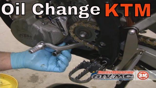 How To Change Oil on KTM RFS 4 Stroke Motorcycle/ATV - YouTube