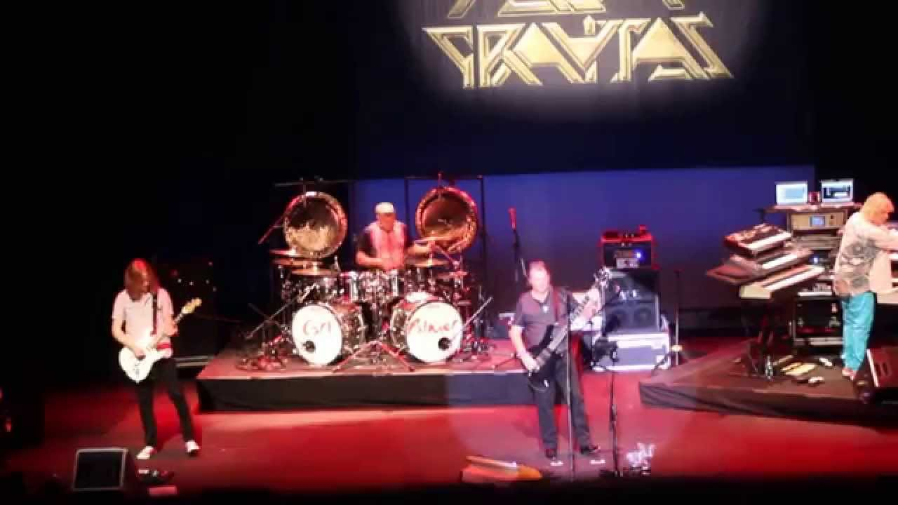 ASIA - Heat of the Moment - Live 2014 - YouTube
