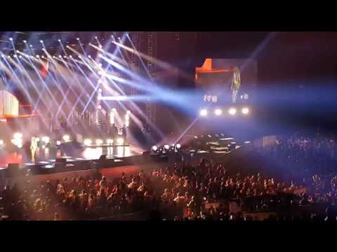 2. That's The Way It Is (Céline Dion Live in Jakarta 2018)