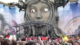 """Steve Aoki & Afrojack Introduce New Record """"No Beef"""" At Tomorrowland 2011 Day 2"""