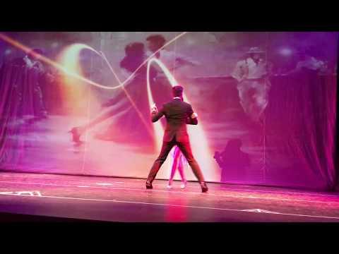 İzel Yelken & Bora Turgut Latino Yılsonu Gösterisi