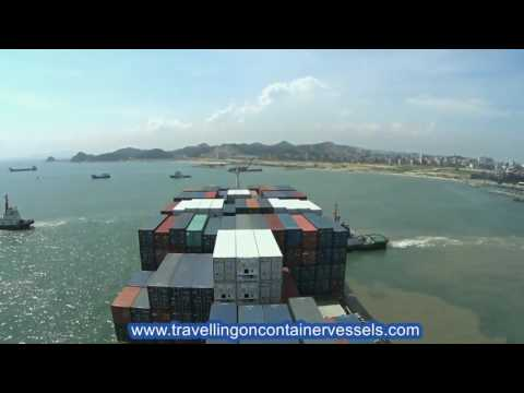 Container vessel leaving the port of Shantou, China