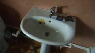 видео Прокладываем фекальную канализацию на даче