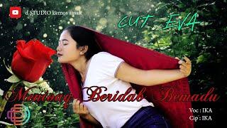 Mentoak beridap bemadu. model : cut eva. official d'studio