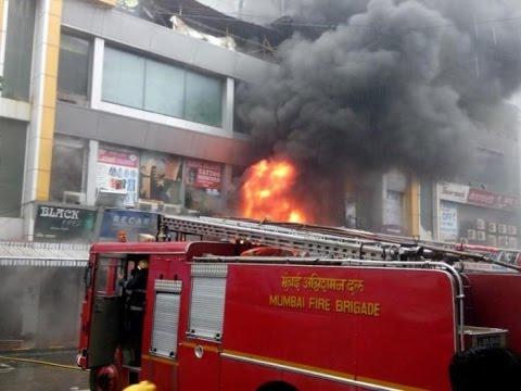 Fire at Shopping Centre on Bandra Linking Road in Mumbai