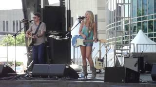 Whitney Duncan - Skinny Dippin (Live CMA Fest 2010)