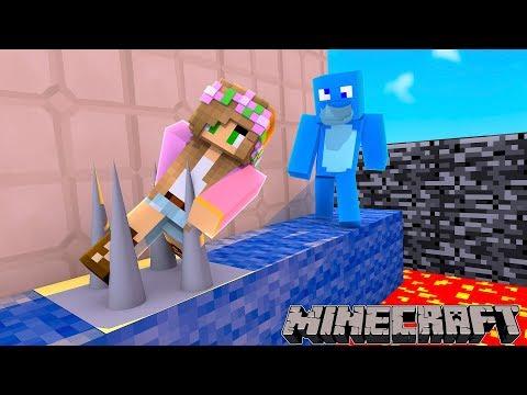 IF LITTLE KELLY DIES...... I DIE !!! Minecraft Sharky Parkour Lava Challenge