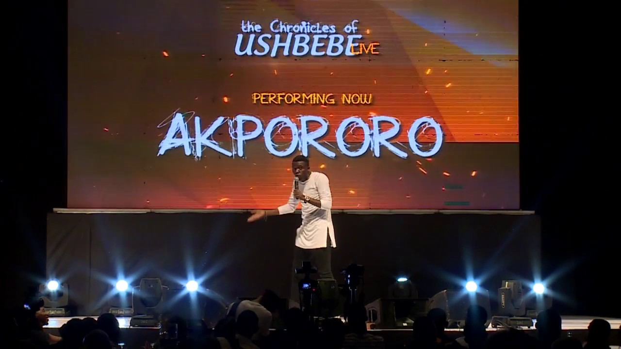 COMEDIAN AKPORORO BEGS FOR MONEY ON STAGE @ CHRONICLES OF USHBEBE