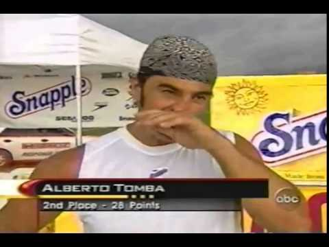 TERRELL OWENS IN THE 2001 SUPERSTARS 100YARD DASH