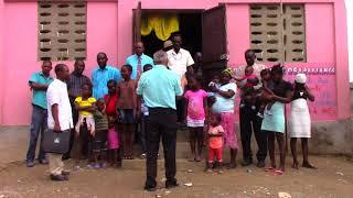 pastor carlos soto en iglesia en haiti