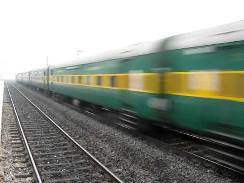 High speed Patna Garib Rath action at 120kmph