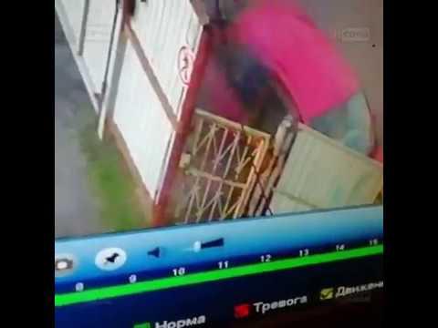 Нелепая авария в Лазаревском р-не. Видео с камеры наблюдения (31.01.2019)