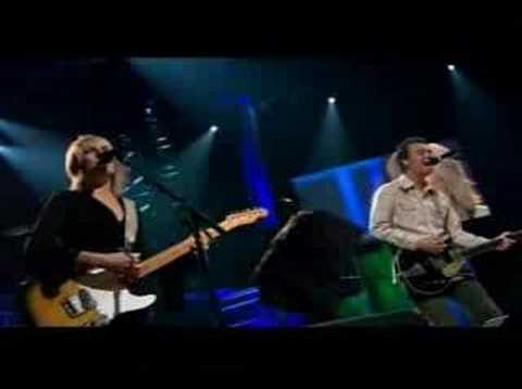 Lucinda Williams - Essence (Live)