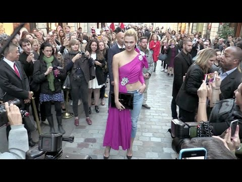 Karlie Kloss looks lovely in Pink as she blesses the Fashion Week at the L'Oreal store in Paris