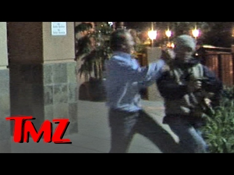 Mel Gibson -- Trip and Fall Incident with Freelance Photog | TMZ