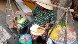Cận cảnh gánh gỏi đu đủ tôm thịt (hơn nửa thế kỷ) của cụ già 67 tuổi trên vỉa hè Sài Gòn