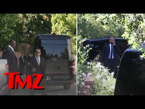 Miranda Kerr Marries Snapchat Founder Evan Spiegel in Backyard of Their Home