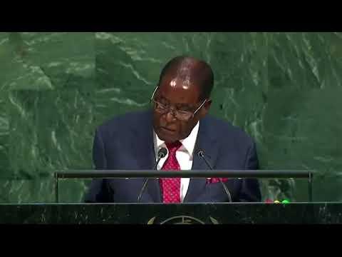 Nations Unies: Mugabe danse et traite Trump de Goliath