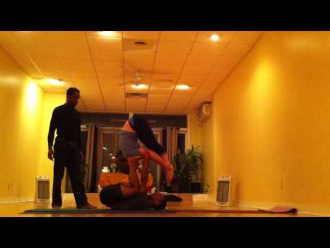 Acrobatic Yoga Class Content Students and Lex Peters