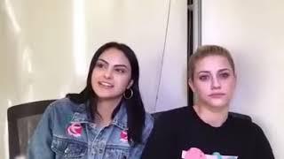 Camila Mendes Ensinando A Lili Reinhart A Falar Português