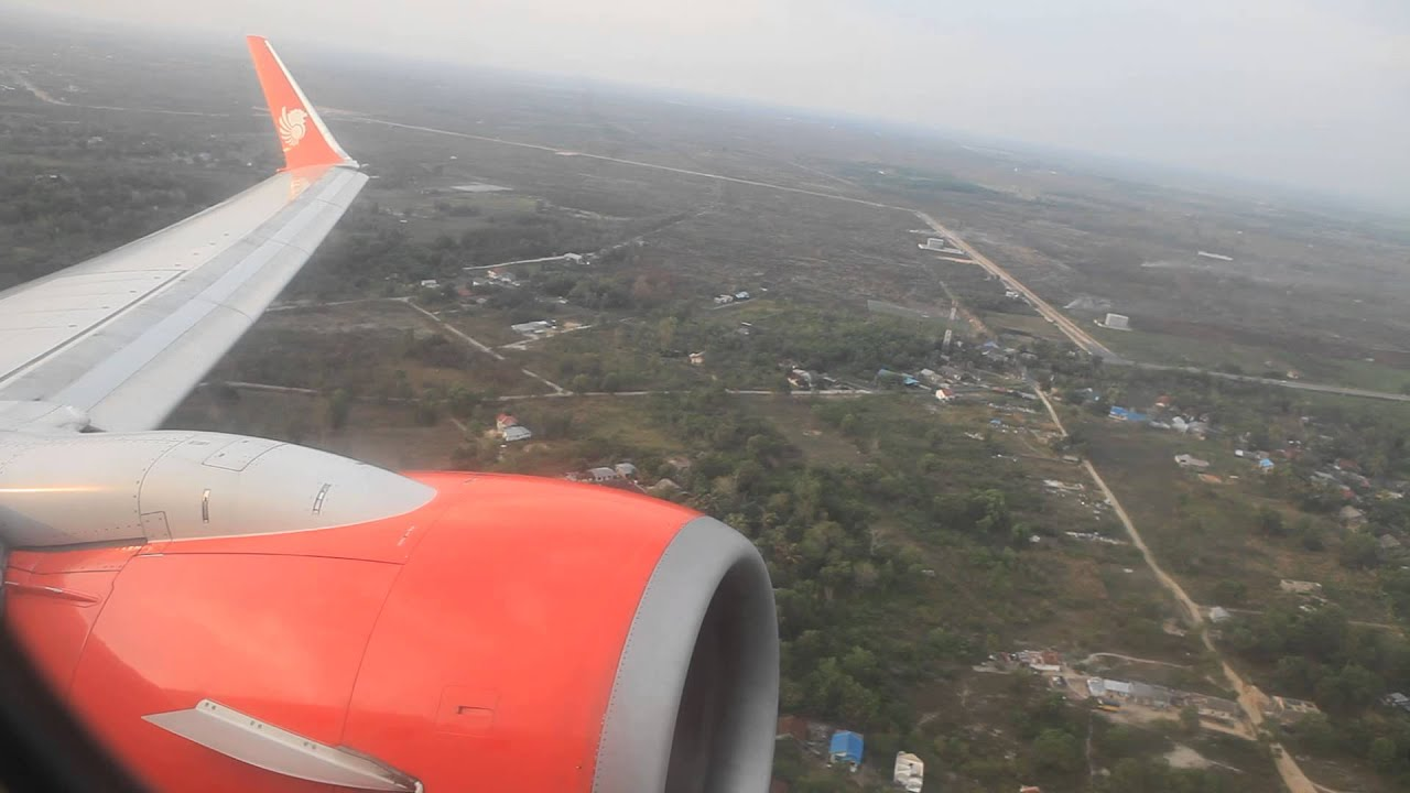 lion air boeing 737 900er takeoff from syamsudin noor airport in banjarmasin