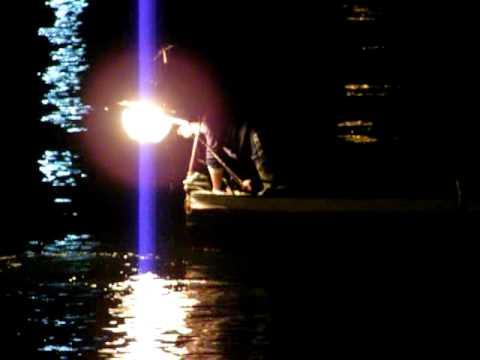 A pesca con la lampàra a Vaccarella per catturare polpi ed altro (23.01.12) /2 di 4