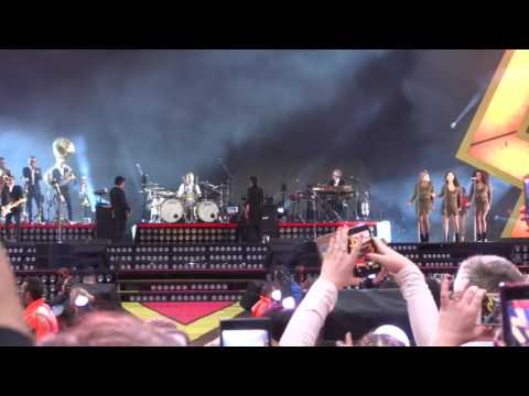 Robbie Williams (Live) Ethiad 2 June 2017.  Opening and Heavy Entertainment Show