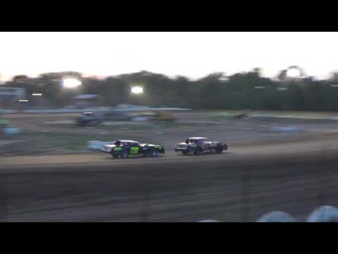 Hobby Stock Heat Race #2 at Mount Pleasant Speedway 08-19-16.