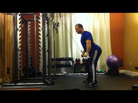 Montreal Private Trainer - Lat Press Down