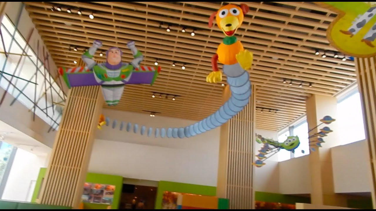 Shanghai Disneyland Toy Story Hotel Sunnyside Cafe Youtube