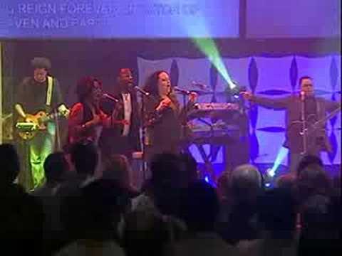 Martha Munizzi - Invincible God - live (@marthamunizzi @israelhoughton @micahstampley)