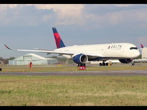 Delta A350 take off, DTW.