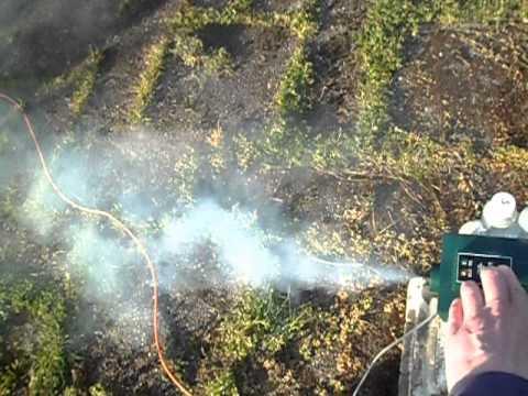 Smoke machine with 10% glycerine in distilled water. - YouTube