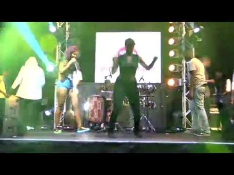 Babes Wodumo Ft Mapitsha  and West Ink School of Dance  - Wololo Live