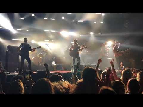 Mirrors: Niall Horan-BOK Center Tulsa, OK 28 July 2018