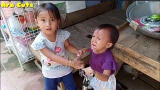 Ara Rebutan Sepeda Sama Neng 🤗 Belajar Berbagi Mainan Bersama Teman thumbnail