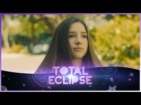 "TOTAL ECLIPSE | Kenzie & Lauren in ""New Moon"" 