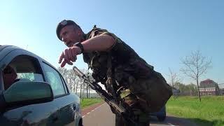 Militairen oefenen in Elburg