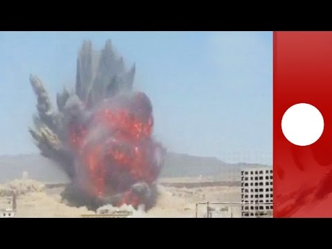 Yemen blast: Huge air strike throws smoke and flames into air