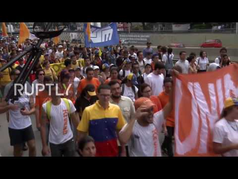Venezuela: Thousands of students protest against Maduro in Caracas