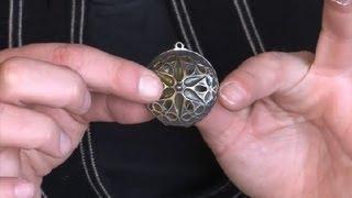 How to Repair Locket Jewelry : How to Make Jewelry