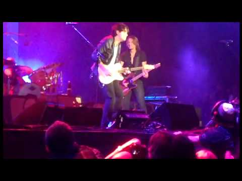 Keith Urban - I'm on Fire with John Mayer Aug 2010