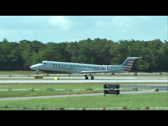 American Airlines ERJ-145  landing Pensacola International Airport